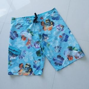 ❤ 3 x $15 ❤ Maui and Sons floral boardshorts